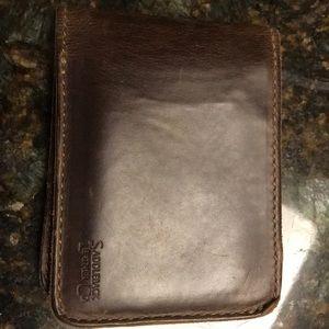 Men's saddleback leather wallet